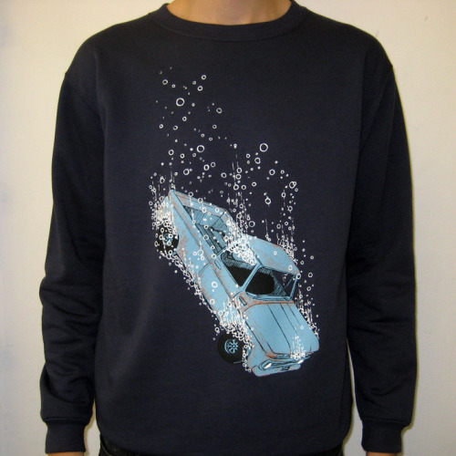Getagripstudio have just unveiled a brand new sweatshirt designed by illustrator Mat Pringle. Free delivery within the U.K. (like all of their items), plus they ship worldwide for a flat-rate of £5! Check out it out HERE. Coming soon: paper prints, this years Christmas Card pack, teatowels and kids T-shirts…