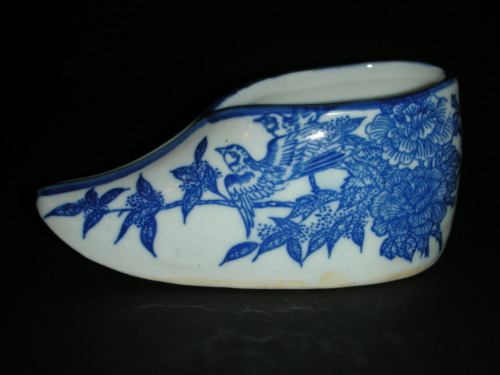 Chinese Blue White Porcelain Miniature Shoe