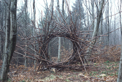 Woven branch circular arch, Langholm, Andy Goldsworthy, April 1986