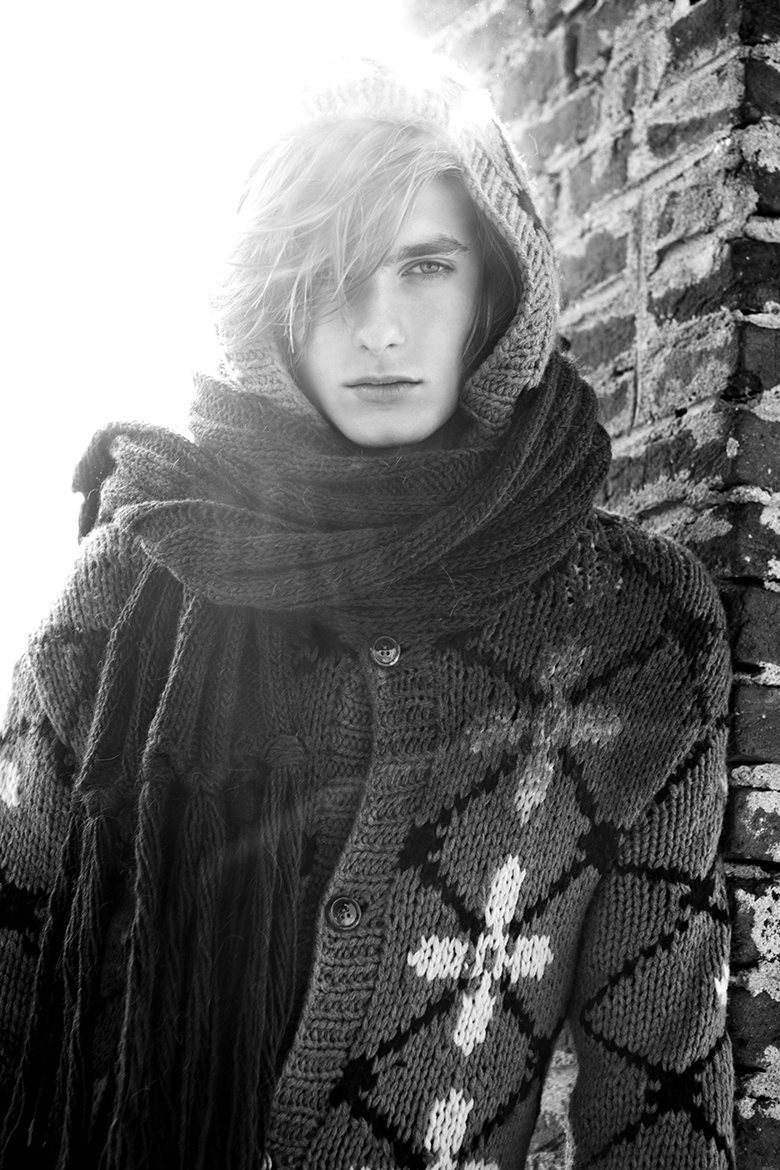 gingerhaze:  mensfashionworld:  Duco Ferwerda by Marco Bertani for Fashionisto Exclusive  Feral Sweater Angel.