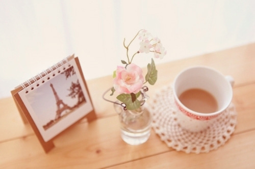 berryrose10:  My 3 favorites things: Paris, Flowers & Coffee :)
