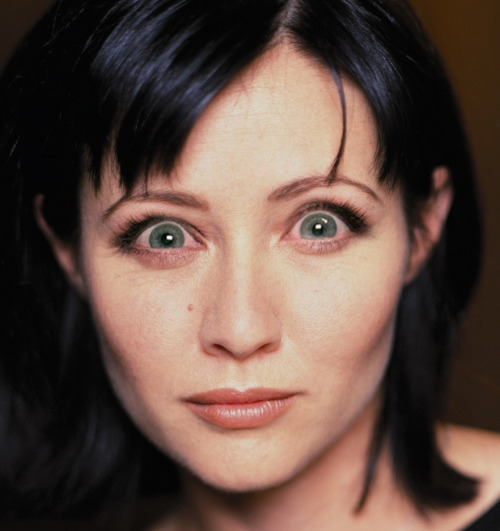 Shannen Doherty with Michele Bachmann eyes.