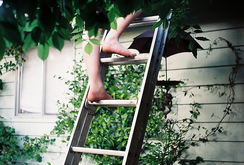 antibtfg:  Climbing Down (by Kid_Curry)