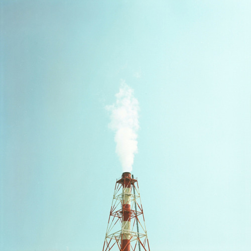 42waysdown:  smokestack by TAT_hase! on Flickr.