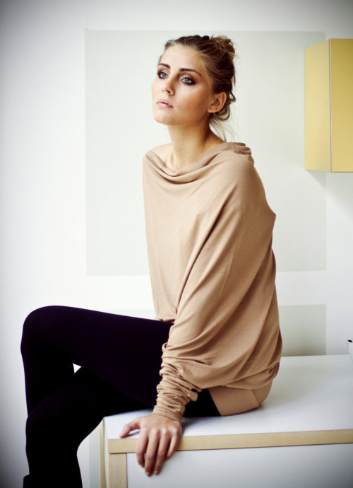 Capuccino asymmetric long-sleeved Muse blouse with buttons on the back