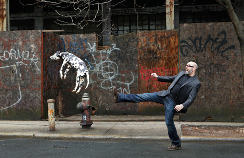 minusmanhattan:  David Cross kicking a dog by Chris Buck.