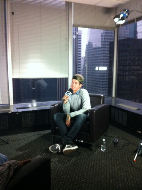 millionnn:  Travis at MTV :)