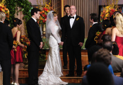 TV wedding: Burt Hummel and Carole Hudson from Glee