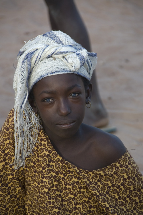 tinelucas:  My trip to Gambia, the smiling coast of Africa. The girl with the blue eyes. (2010)
