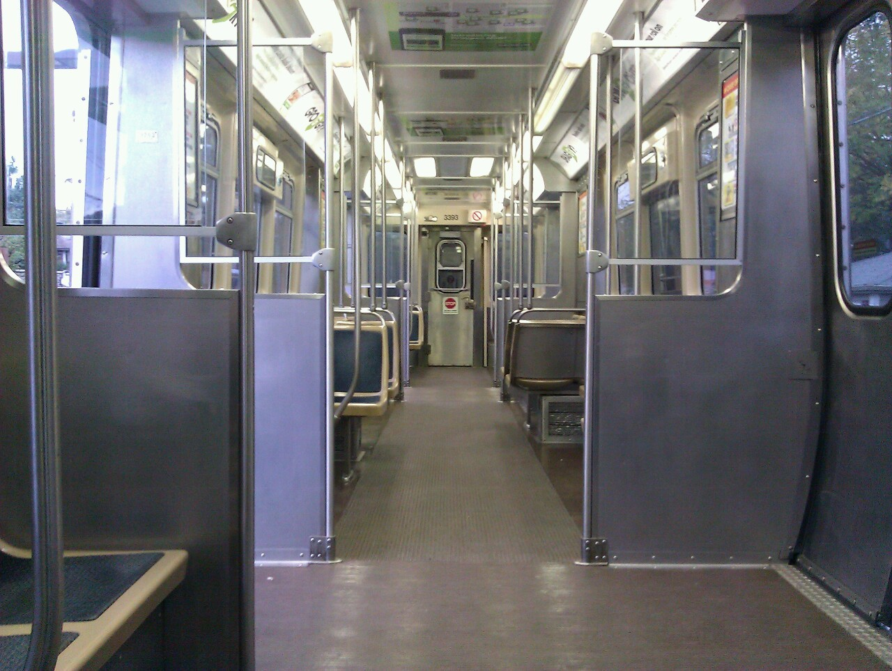 A nice quiet morning on the brown line.