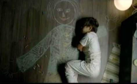 lovenerdeen:  stay-human:  agrisarah:  This is a picture of an orphan Iraqi boy who lost his mother so he drew himself a mother on the ground and slept next to her…   I've reblogged this before but it's such a powerful picture I need it here again.