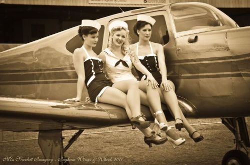 anthiaabsens:  Lisa Marie, Scarlett Popy and Feenix -Photography by Miss Scarlett Imagery / Sarah Butcher