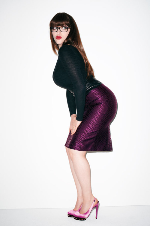 suicideblonde:  terrysdiary:  Kat Dennings shot by Me #3  FUCKING HELL I AM DEAD  Love her in Two Broke Girls! She is hilarious!!