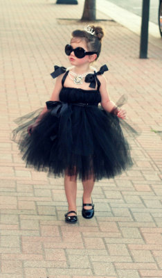 365daysofhalloween:  I usually don't post kid pics, but I love Audrey Hepburn, and this is too cute!Atutudes Breakfast at Tiffany's Little Black Dress on etsy