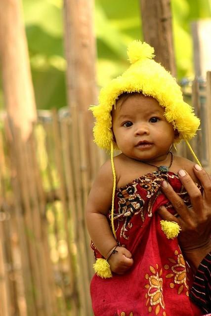 fckyeahbabies:  Cambodia :)