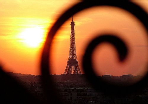 Eiffel Tower by hampshiregirl on Flickr.