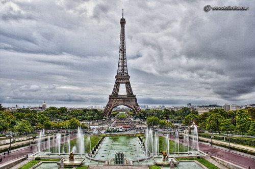 Eiffel Tower by Mr Yankee on Flickr.