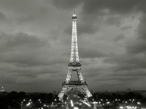 eiffel tower by floor_pies on Flickr.