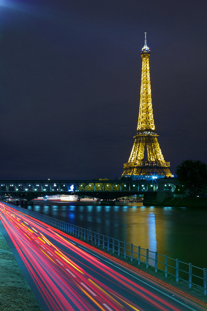Eiffel Tower by floimages on Flickr.