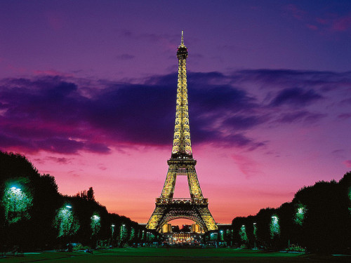 Eiffel Tower, Paris by kruhme on Flickr.