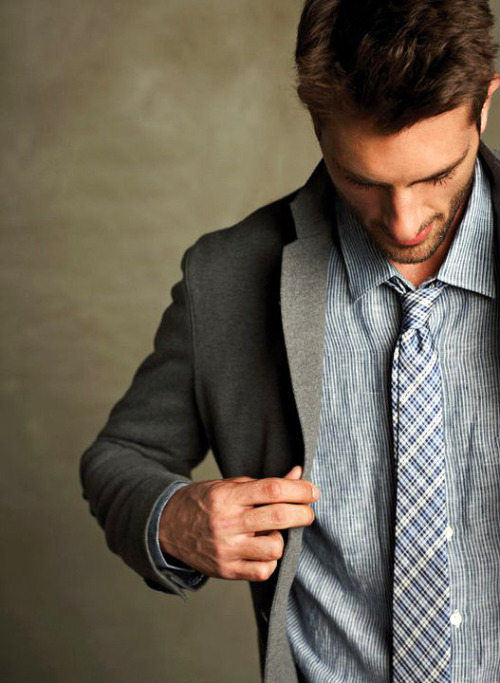 aruneeayuw:  i love a man who can dress well.