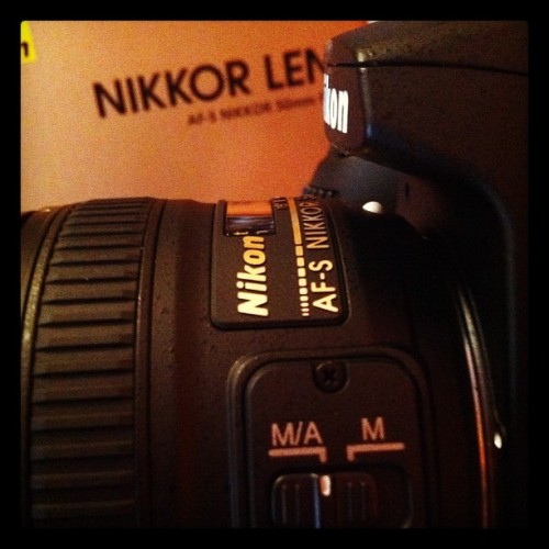 #nikon #objektiv #iphone #instago #statigram #webstagram #nikoncam #camera #photooftheday #new #igers #instadaily #instmood #shopping #happy #feelgood #instago #instagramhub #jj #jj_challenge #photo #picoftheday #popular #power #bestphotooftheday #bestpicoftheday  (Taken with instagram)