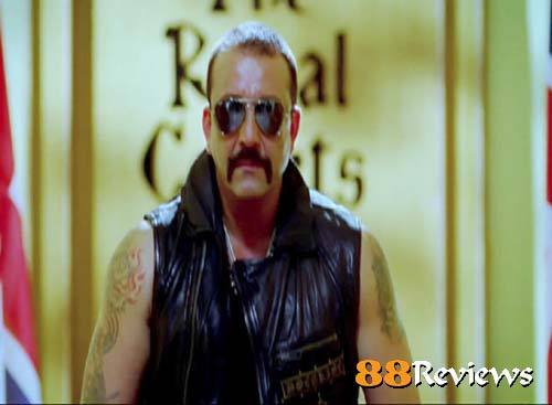 Sanjay Dutt's look from Desi Boyz… killer!!