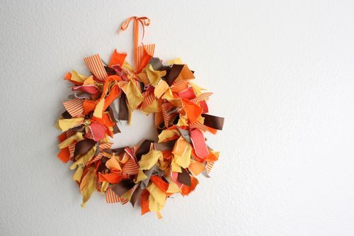 DIY: Autumn Fabric Wreath  this is one of the coolest wreath ideas i've seen simple and to the point;) here's the how-to