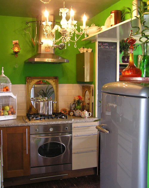 funky small kitchen :: The combination of vintage and modern will complement most kitchen designs