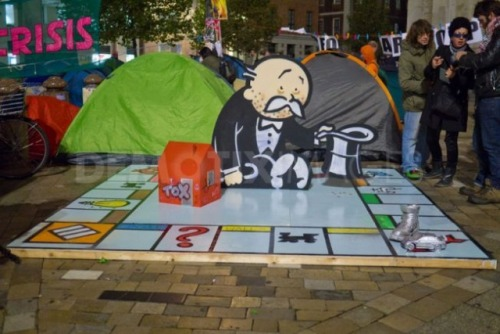 legalizebee:  even monopoly is in on this occupy situation smh.