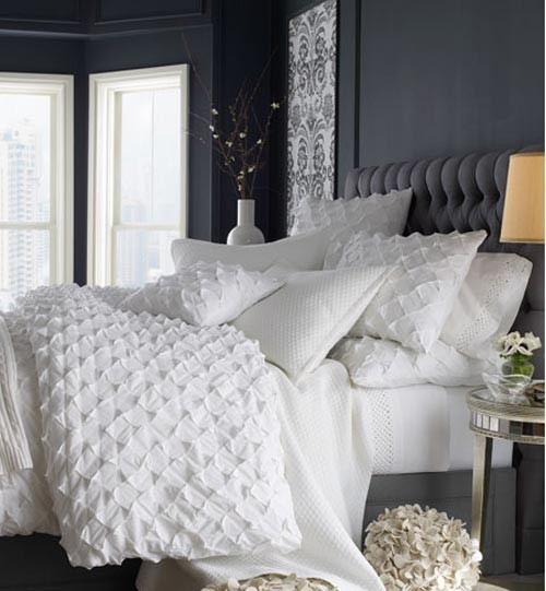 sweethomestyle:  (via ROOM REDO / bedding)