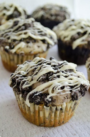gastrogirl:  oreo chocolate cookie muffins.