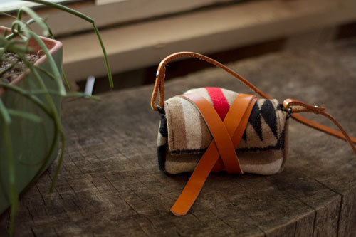 DIY project: Wool Camera Wrap by Design Sponge