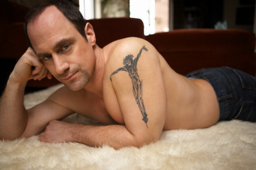 #Christopher_Meloni #tats / 1  underhell:  Christopher Meloni (photo shoot)