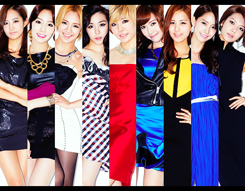 Sunny at center….where she SHOULD be