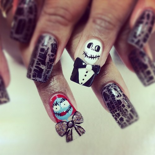 #Halloween #faces #nailart #nails #iphone #iphoneography #instagram #tuxedo #bows #skelton  (Taken with instagram)