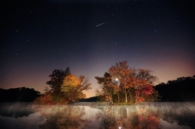 (via PhotoBlog - Catch a falling star … and fall colors)