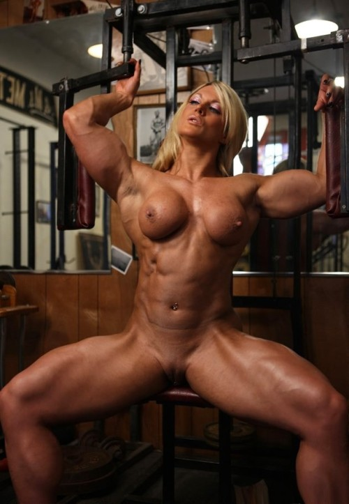 rideofalifetime69:  fypegboy:  She's making me hard!  Muscle-bound pussy !