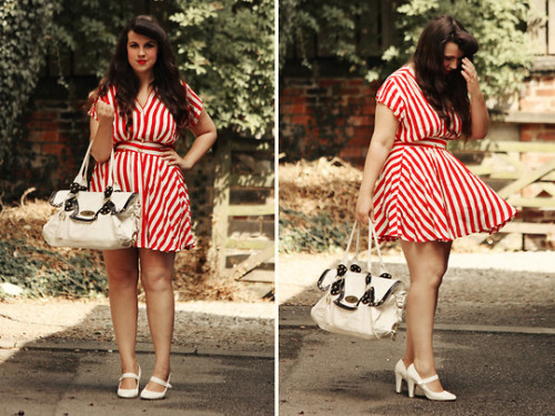 lookbookchubspo:  FIFTY SIX  (by Victoria India)  Honestly can't believe how many notes this has!