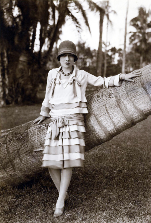 Anita Loos (author of Gentlemen Prefer Blondes) 1920's