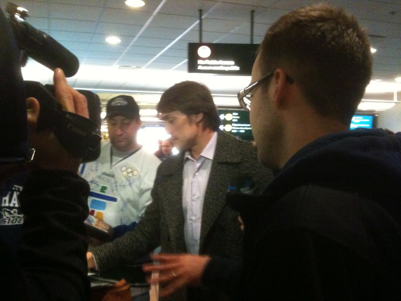 "February 14, 2010 - That's right! Teemu Selanne! He was signing autographs and telling everyone he was stoked to be in the city for the Olympics. When asked who his favourite player was, he answered ""Jari Kurri ofcourse"", to which everyone around laughed. He was very good with the crowd awaiting him in Vancouver."