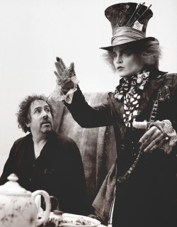 Mad Hatter (Johnny Depp) & Tim Burton, Alice in Wonderland (2010) grandesbosques:  <3