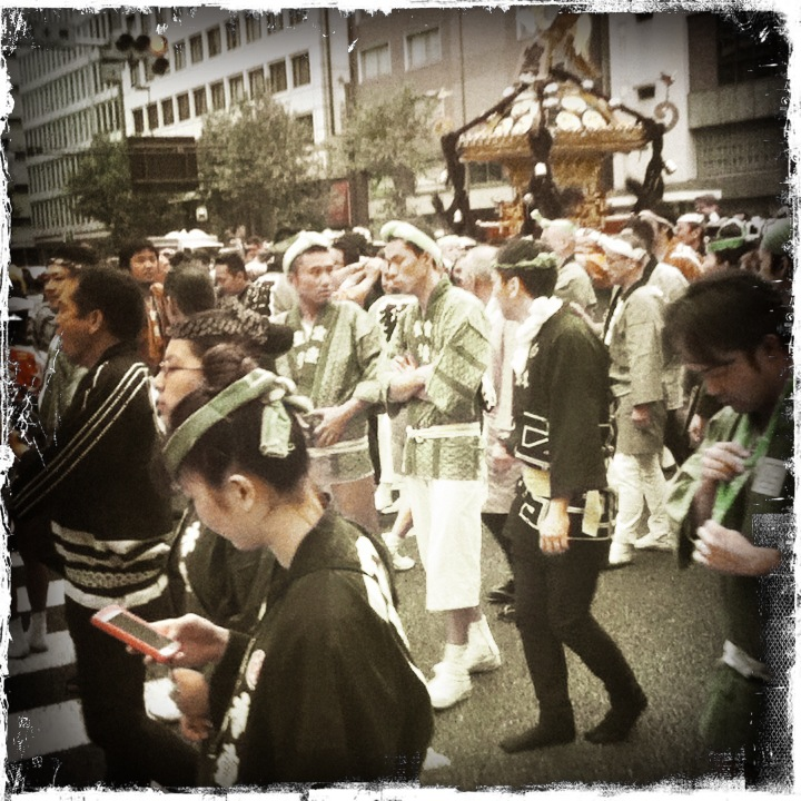 Mikoshi and iPhone, Nihonbashi.