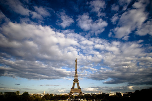 Eiffel Sky by tridium on Flickr.