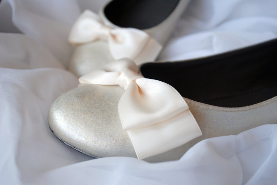 Such sweetness! (via Design Your Own Shoes Women's Sizes by SRoskillyDesigns on Etsy)