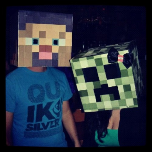 twentysixlove:  Our halloween costumes. Took 8 hours to craft #minecraft #creeper #halloween #costumes #crafting  (Taken with instagram)  Halloween is a good time.