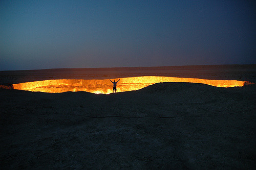 agrownupkid:  Darvaza gas crater (by my new office)