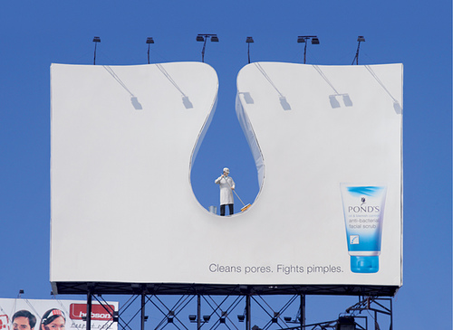 jaymug:  Pond's Facial Scrub Billboard