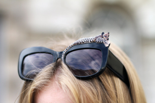 Another way to wear leopard. #sunglasses