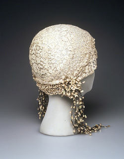 historicalfashion:  Wedding Cloche, Met, 1932